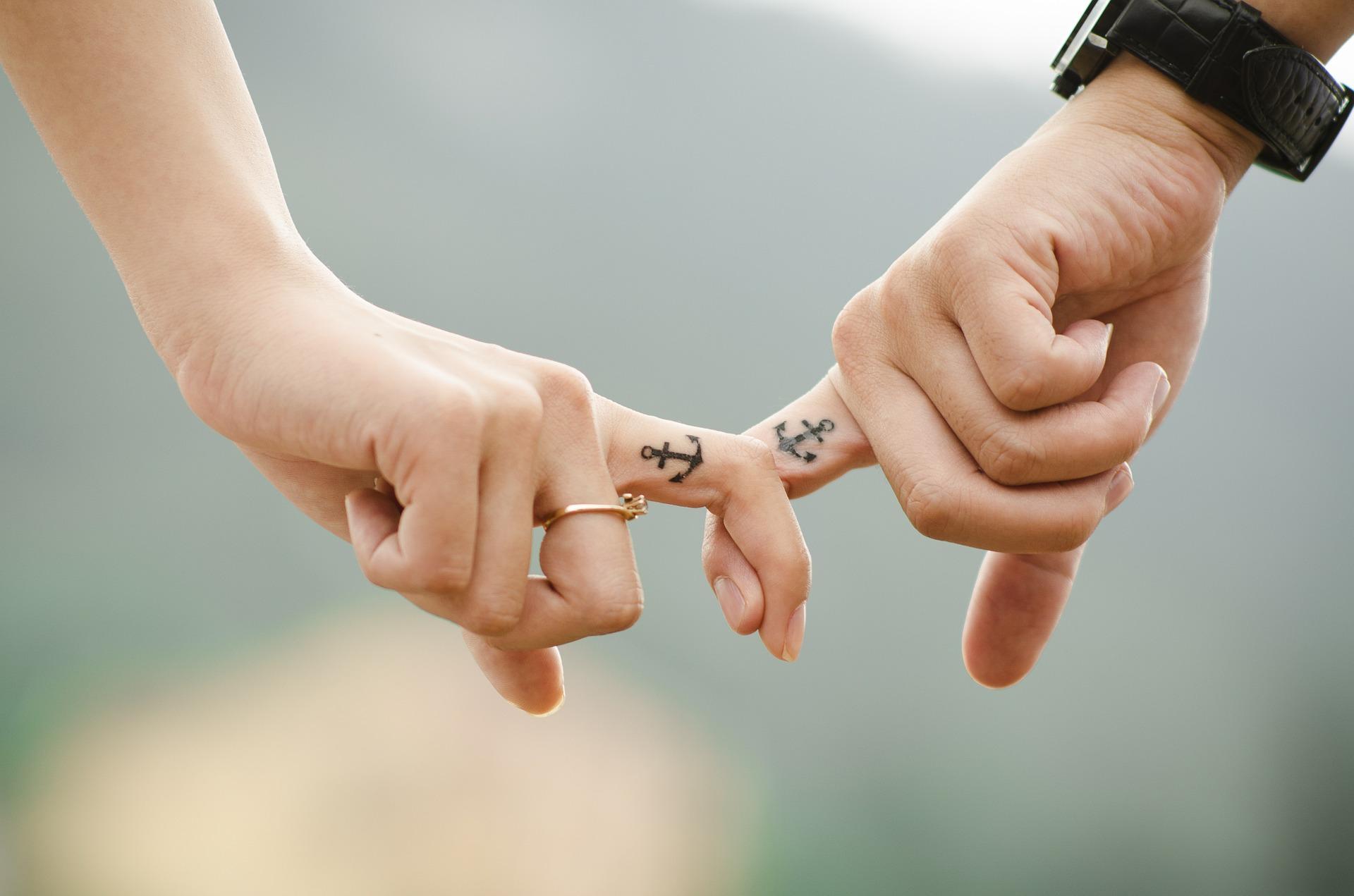 couple-437968_1920